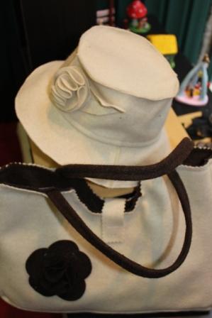 img-Mala e chapéu de burel
