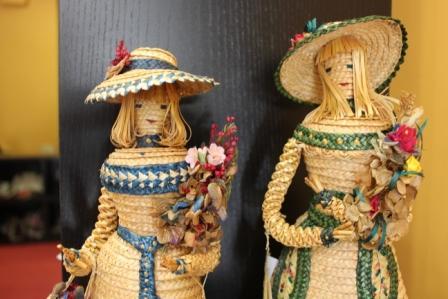 img-Bonecas em palhinha