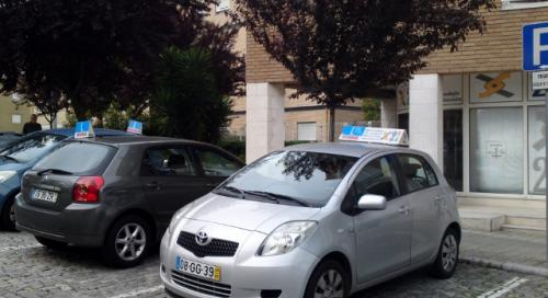 tt2-Aulas de condução de ligeiros no Porto1 thumbs