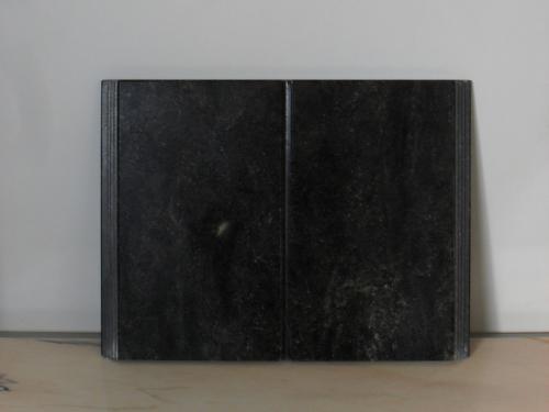img-Lápide em formato de livro