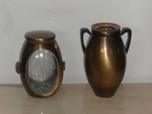 img-Lanterna e Vaso em tons dourados