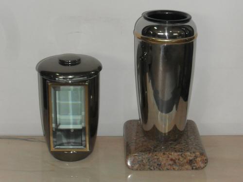 img-Lanterna e Vaso fúnebre
