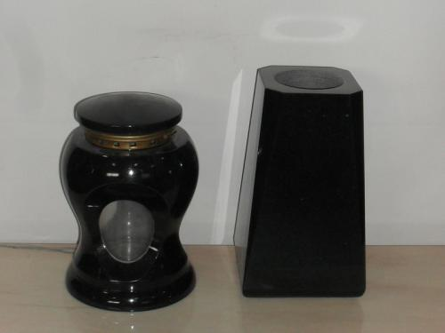 img-Lanterna e Vaso fúnebre em preto