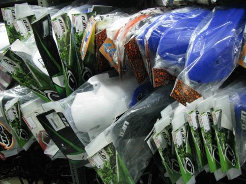 destaque Plásticos para todos os Modelos CROSS