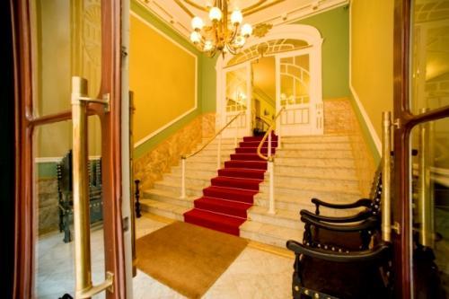img-ALOJAMENTO NO GRANDE HOTEL DE PARIS