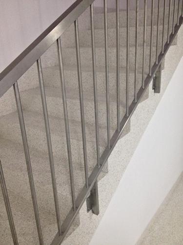 Aplicação de palheta em escadas