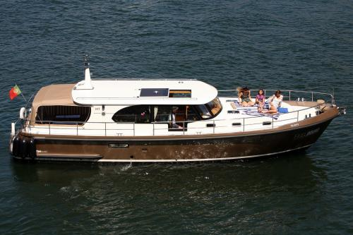 img-DOURO CRUISE IN EXCLUSIVE YACHT, 2 HOURS IN PINHÃO