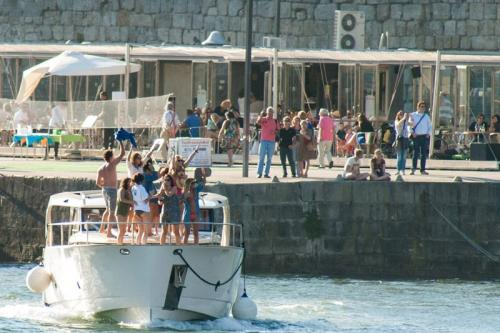 img-CRUISE IN PRIVATE YACHT, FROM PORTO TO RÉGUA