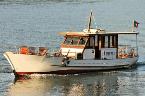 img-DOURO CRUISE WITH PRIVATE LUNCH IN CASA DO MARINHEIRO