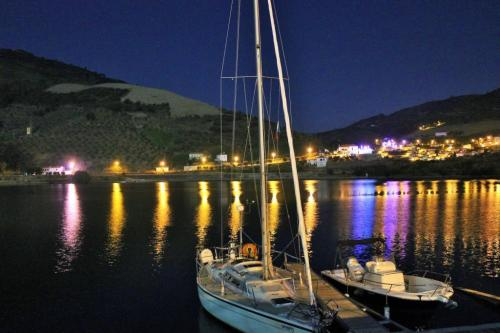 img-DOURO SAILING CRUISE WITH DINNER AND NIGHT ON BOARD