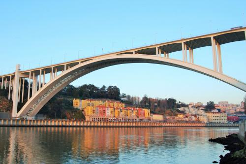 img-CRUISE FROM PORTO TO RÉGUA WITH VISIT AND WINE TASTING SATURDAYS AND SUNDAYS