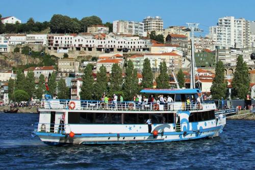 img-CRUISE FROM PORTO TO LAMEGO, FRIDAY AND SATURDAY