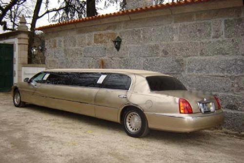 Rentals Lincoln Town Car Hi Gold Limousines In Porto Douro Tourism