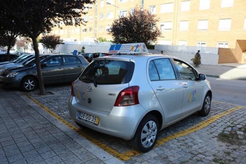 img-Aulas de condução de ligeiros no Porto