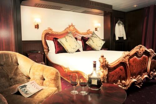tt2-CRUCERO EN BARCO HOTEL, 4 DÍAS, SPIRIT OF CHARTWELL 20191 thumbs