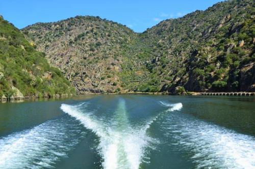 tt34 HOUR CRUISE IN YACHT - ILHA DOS AMORES2 thumbs