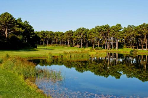 destaque GOLF COURSE IN LISBON - CLUBE DE GOLF AROEIRA I