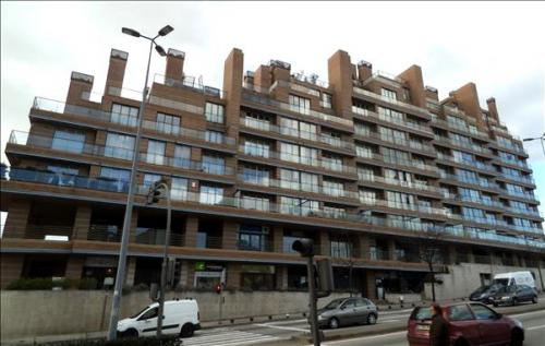 destaque Vende-se Apartamento T6 nas Antas - Porto
