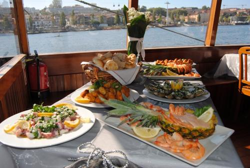 destaque DOURO CRUISE WITH DINNER ON BOARD