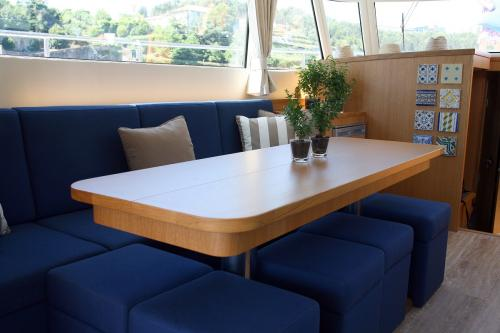 img-5 DAY YACHT CRUISE WITH TOUR BY THE DOURO REGION AND PORTO CITY