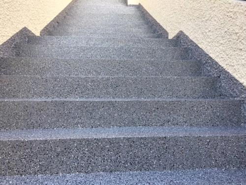 tt3Aplicação de palheta em escadas exteriores2 thumbs