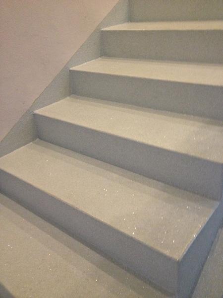 Revestimento continuo com palheta em escadas