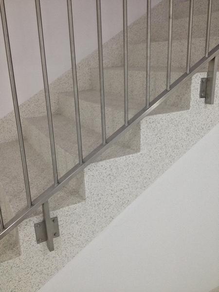 tt3Revestimento de escadas com palheta2 thumbs