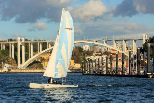 img-TRIP IN SAILBOAT THROUGH THE MARGINS OF PORTO AND GAIA
