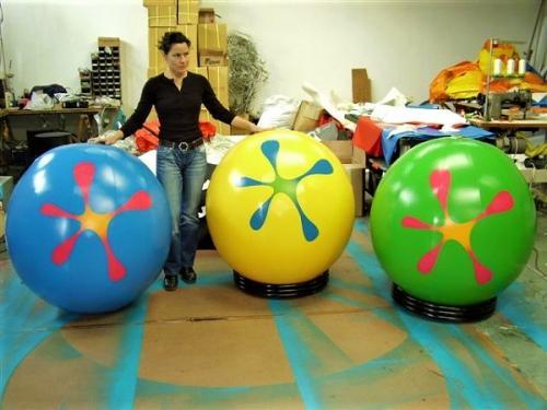 tt3Gonflable en forme de Ballon2 thumbs