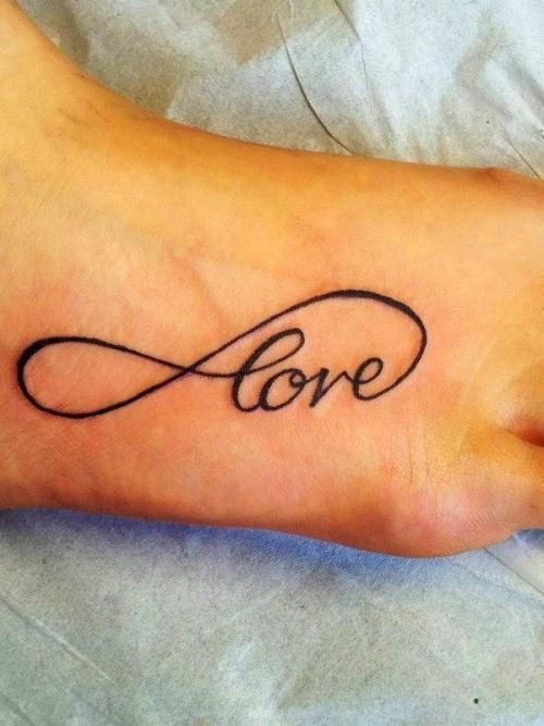 destaque Tatuagens no pé