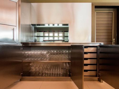 tt2-Mobiliário de Cozinha em Forma de U1 thumbs