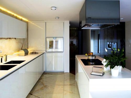 Mobiliário de Cozinha em Paralelo