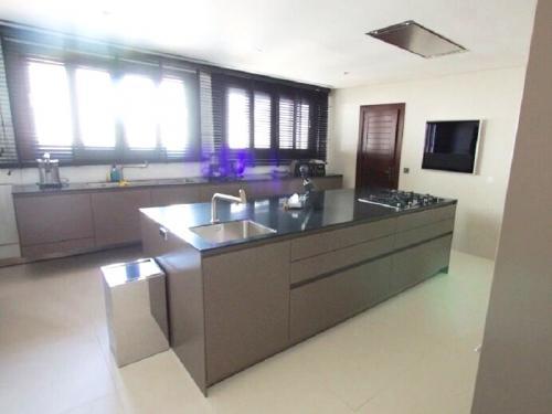 tt3Mobiliário de Cozinha em Paralelo com Ilha Central 2 thumbs