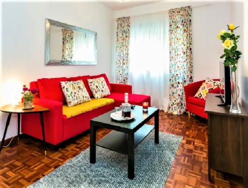 tt2-Aluguer de Apartamento no Porto <b> 4 Flats II - 2 a 4 pessoas</b>1 thumbs