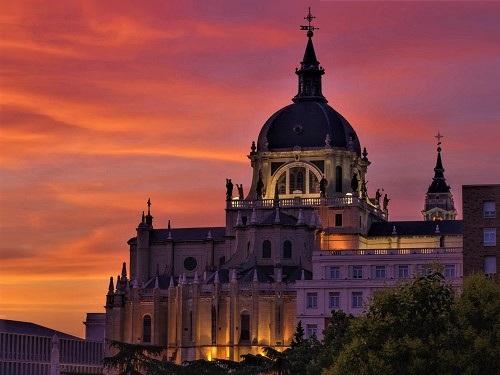 destaque <b> Voo do Porto para Madrid </b>