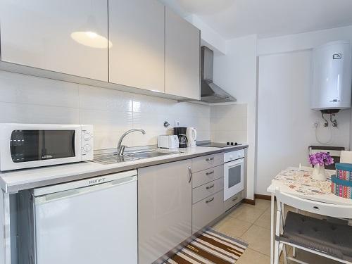 tt3Aluguer de Apartamento no Porto <b> 4 Flats I - 2 a 4 pessoas</b>2 thumbs