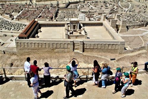 img-VIAGEM DE TURISMO NA JORDÂNIA E JERUSALÉM