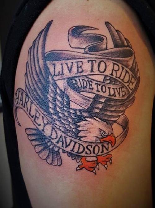 img-Tatuagens na parte externa do braço em Viseu