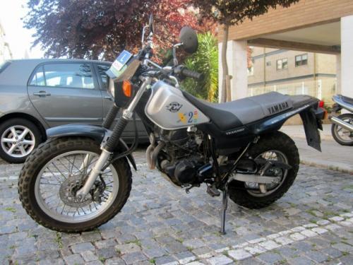 Carta de condução motociclos categoria A1, mínimo 16 Anos