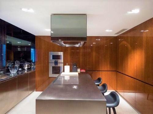 destaque Cozinha moderna em tons de castanho